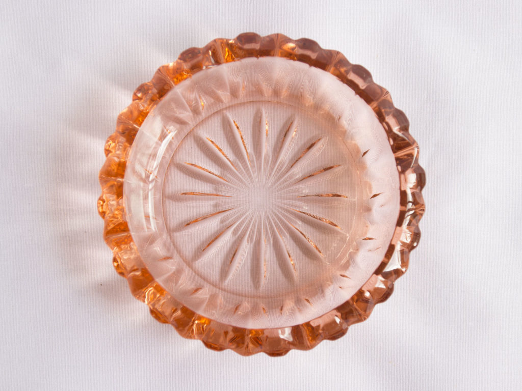 Cendrier en verre rose