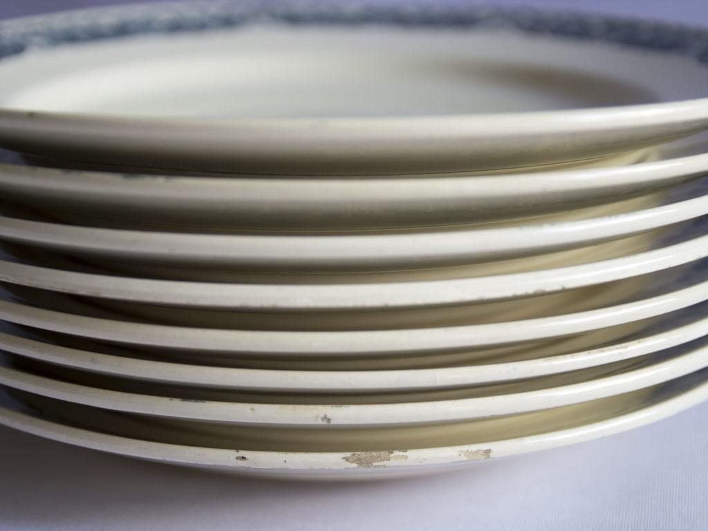 Lot de 8 assiettes Longchamp