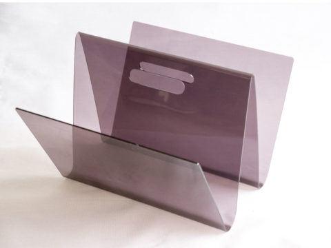 Porte-revues en plexiglas