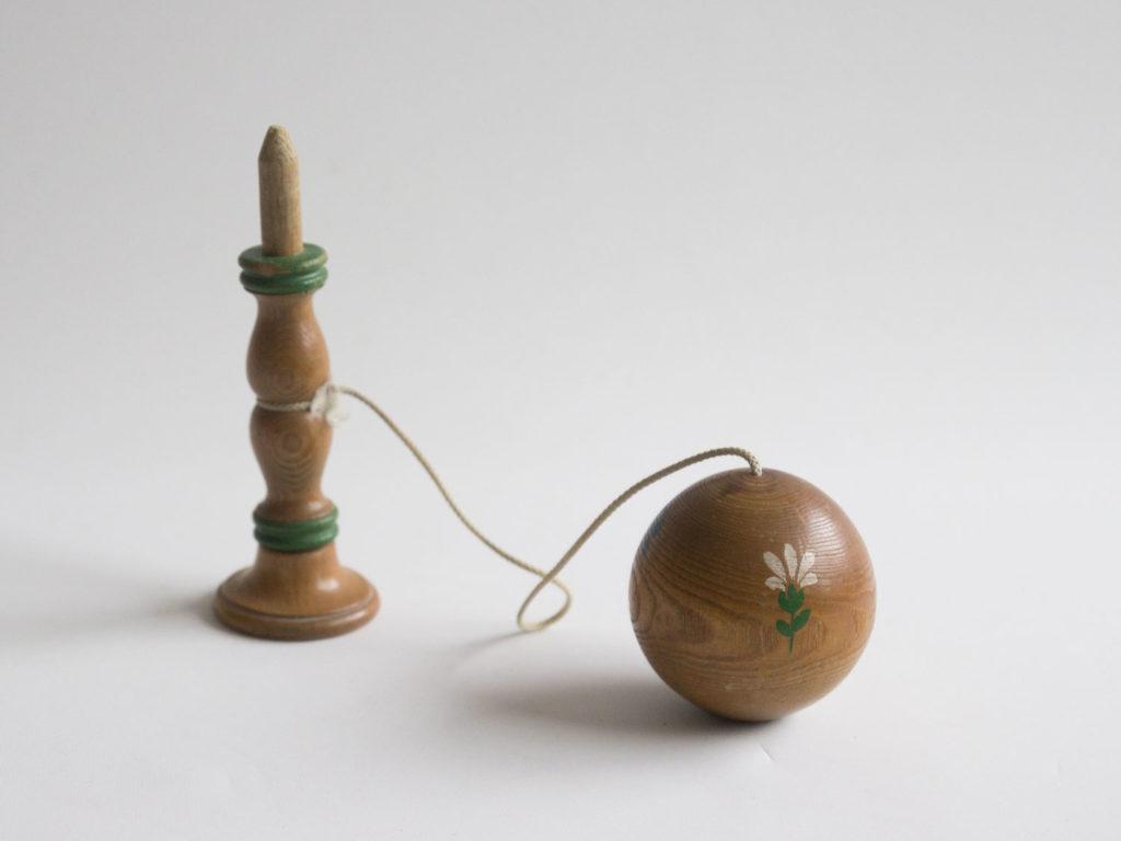 Bilboquet en bois