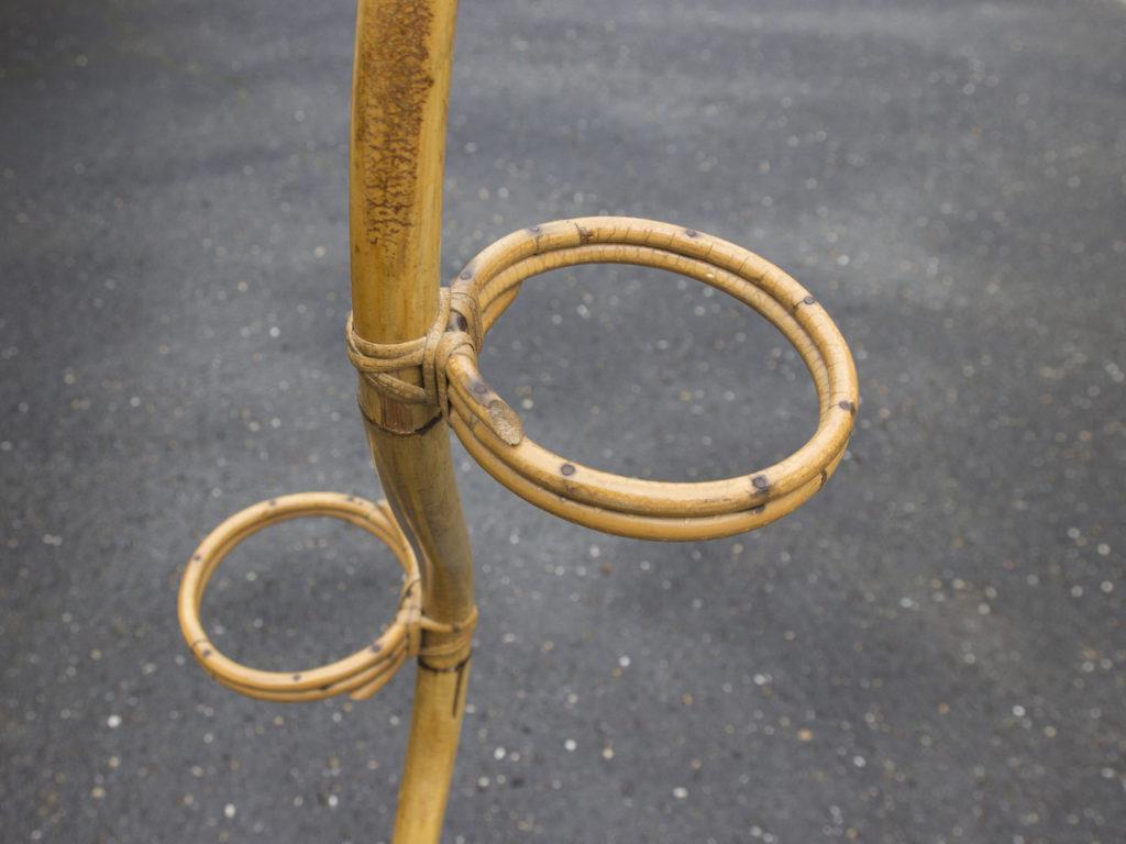 Porte plante en rotin