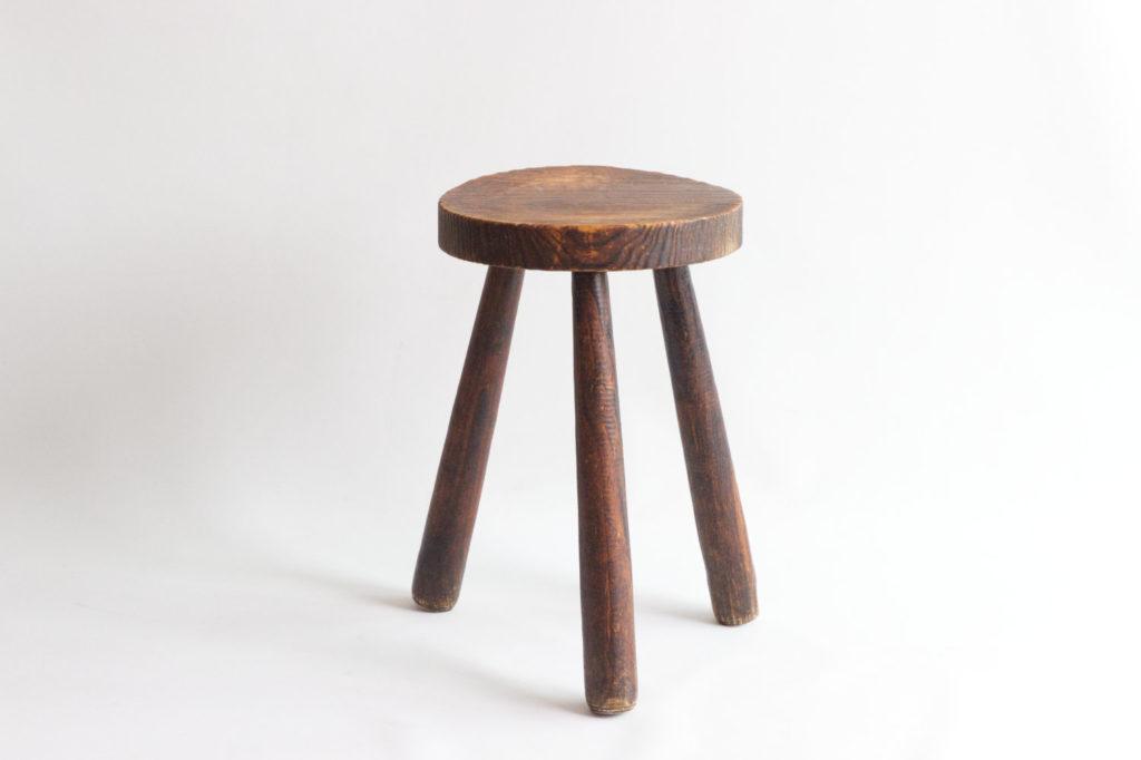 Tabouret tripode en bois
